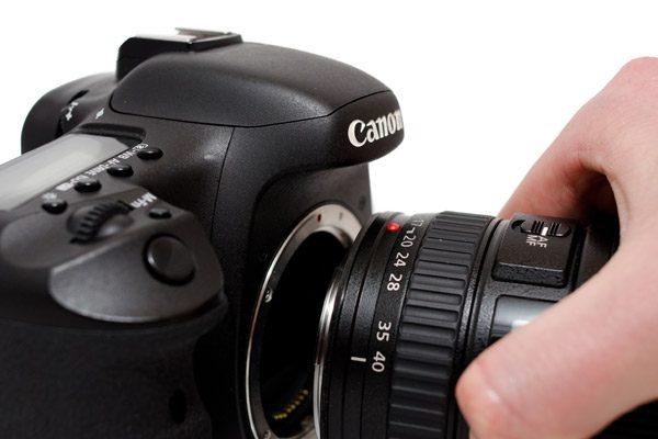 بهترین روش برای تعویض لنز دوربین