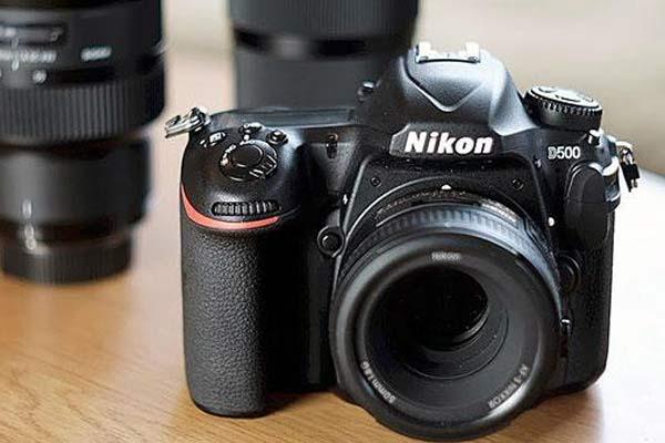 مشخصات دوربین عکاسی نیکون D500