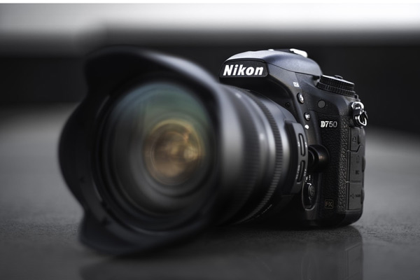 مشخصات دوربین عکاسی نیکون D750