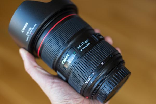 ویژگی های لنز مناسب برای عکاسی مدلینگ
