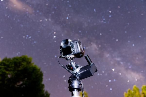 دوربین مناسب عکاسی از نجوم