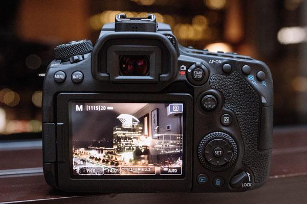 بدنه دوربین عکاسی کانن EOS 90D
