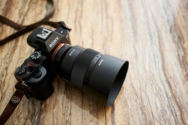 معرفی 5 لنز سونی برای عکاسی پرتره