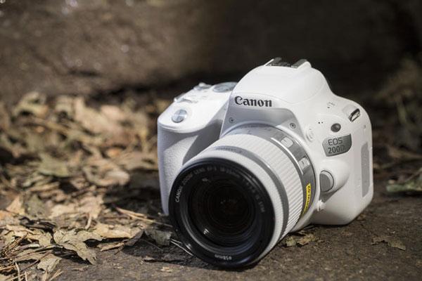 دوربین عکاسی کانن EOS 200D