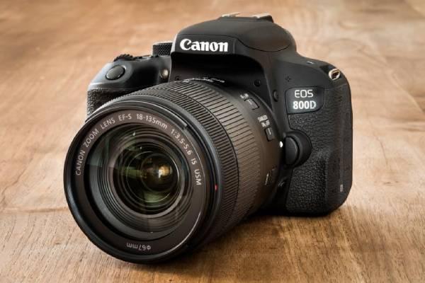سایز دوربین کانن 800D