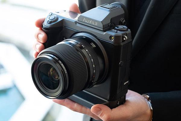 گران ترین دوربین های عکاسی FUJIFILM GFX 100