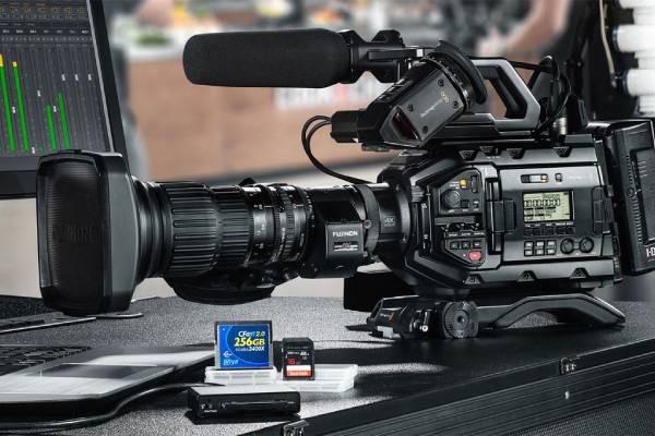 برسی دوربین Blackmagic URSA Broadcast With B4 Mount