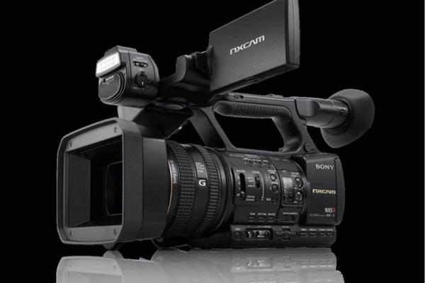 بررسی ویژگی های دوربین فیلمبرداری HXR-NX5R