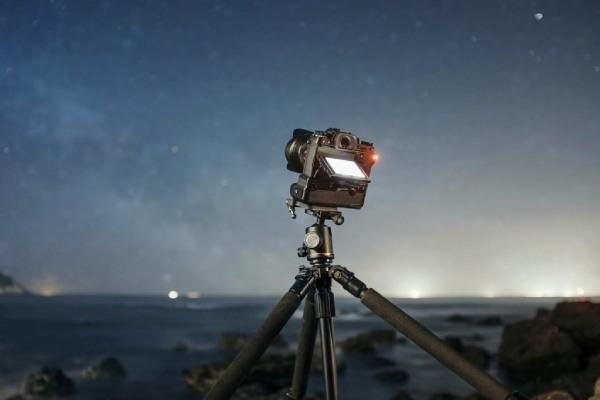 سه پایه عکاسی از ماه گرفتگی
