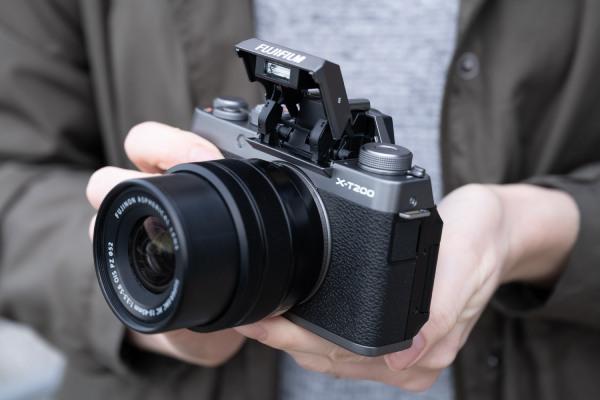 دوربین ویلاگین فوجی فیلم X-T200