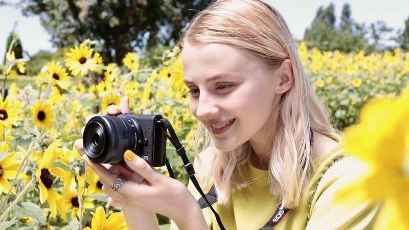 دوربین Canon EOS M200