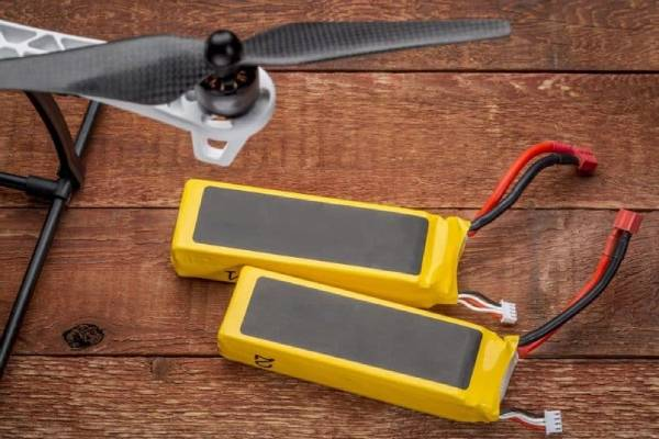 باتری مناسب بیشتر کردن زمان پرواز هلی شات