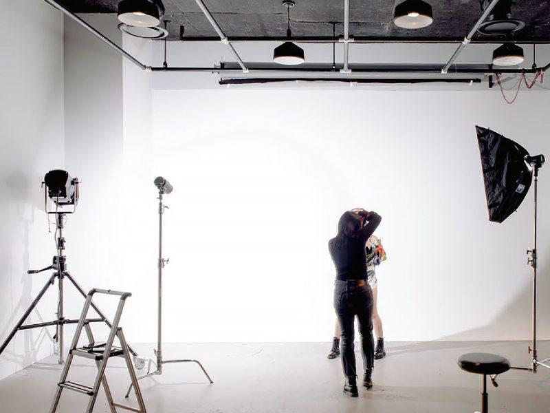 تنظیم نور برای عکاسی از اثر هنری