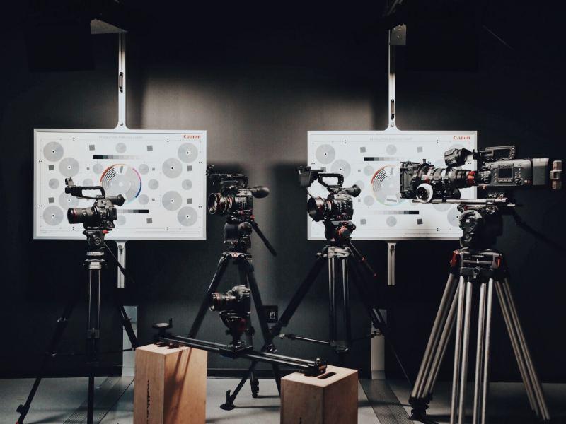 راهنمای انتخاب و خرید سه پایه دوربین عکاسی